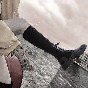Image 5 - النساء جورب الأحذية منتصف العجل الجوارب امرأة أحذية خفيفة أنيقة الإناث مريحة سميكة وحيد بوتاس موهير جديد مصمم دروبشيبينغ