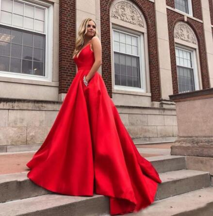 Hot Sale Red Prom Dresses With Pocket Simple V-Neck Beading A-line Evening Gowns Custom Made Stain Vestidos De Fiesta De Noche