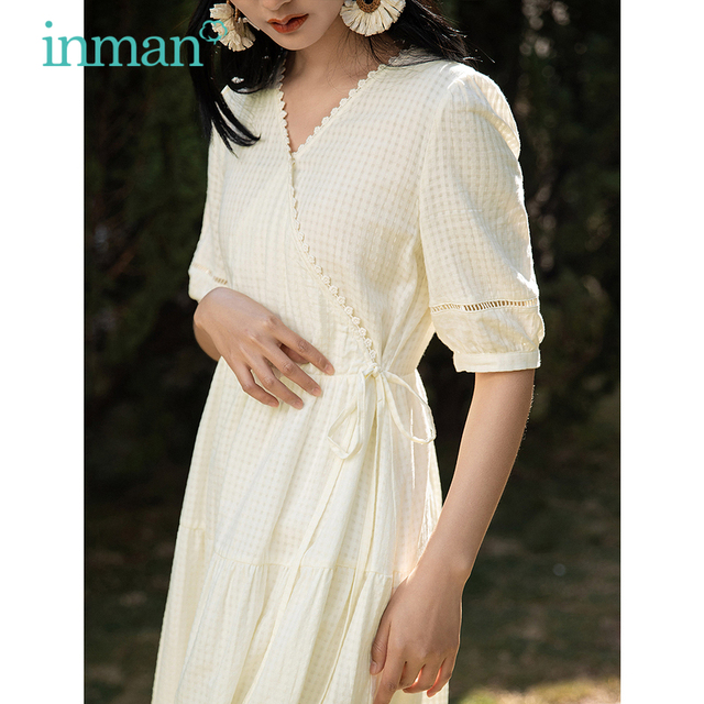 INMAN Cute Pastoral Style Dress Women Lady Plaid Tie Up Wasit Lace Border V Collar Short Lantern Hollow Out Sleeve Artsy Dress 1
