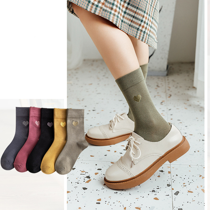 Woman Socks Autumn New Soft Heart Embroidery Ladies Socks 2019 Winter Comfortable Breathable Personality Wild Women Crew Socks