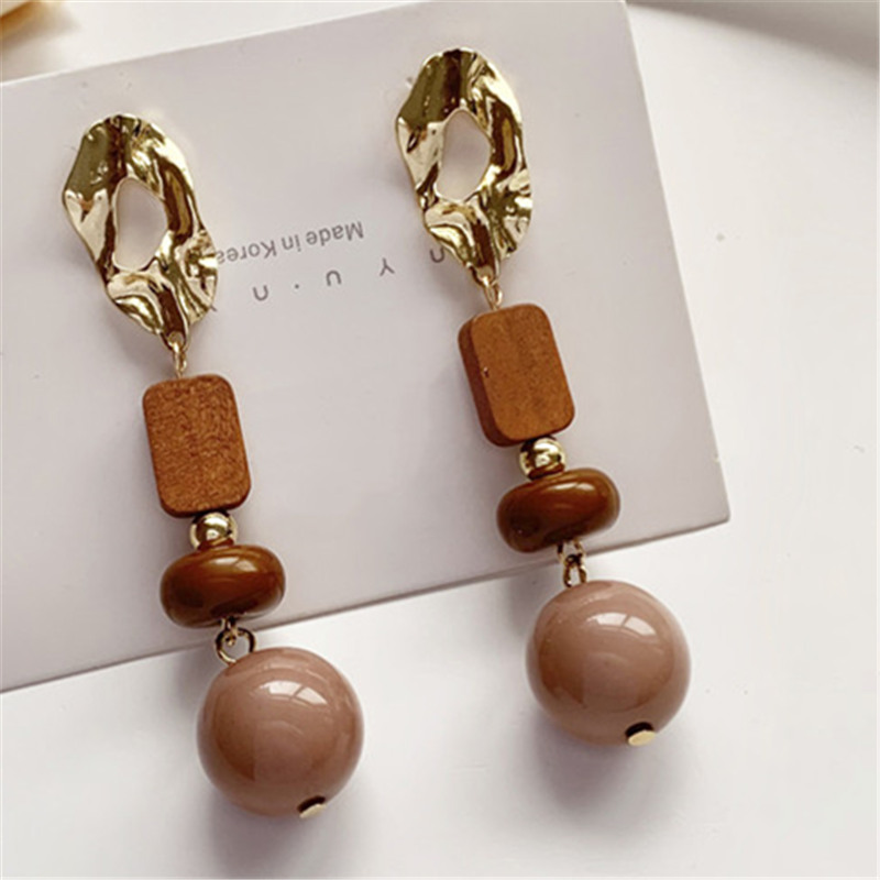 Web Celebrity Are Retro Brown Department Log Resin Ball Earrings Korean Girl Temperament Joker Contracted Stud Earrings