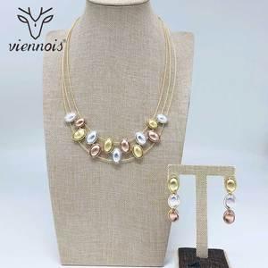 Image 1 - Viennois moda color dorado colgante aretes con mezcla de colores collar de cuentas joyas Set para mujeres Metal fiesta conjunto de joyas