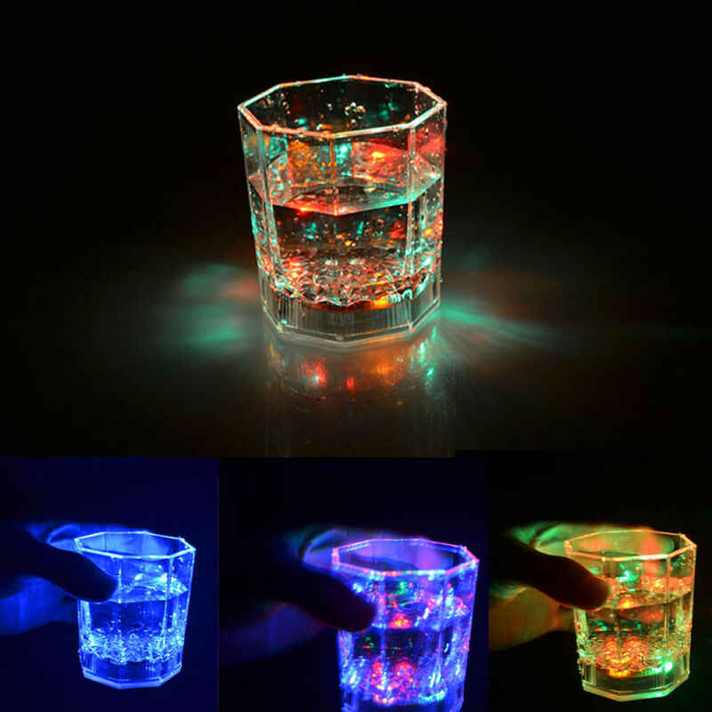 2020 Multicolore CALDO LED Incandescente Occhiali Tazza di Flash Light Up Coppe Bere Lampeggiante Colpo di Luce LED Bar Night Club Partito bar