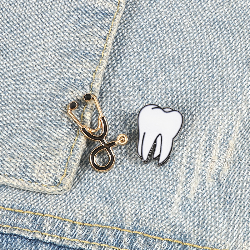 New jewelry brooches for dentist multicolor stethoscope cute tooth badge doctor nurse collar jackets lapel pins for kids gifts