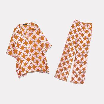 2020 nowe letnie kobiety 2 kawałki zestaw pomarańczowy drukuj koszulka z krótkim rękawkiem bluzka długi garnitur ze spodniami kobieta dorywczo odzież damska tanie i dobre opinie FP TO LOVE REGULAR Kostek Osób w wieku 18-35 lat Skręcić w dół kołnierz Zipper fly Poliester WOMEN Pojedyncze piersi