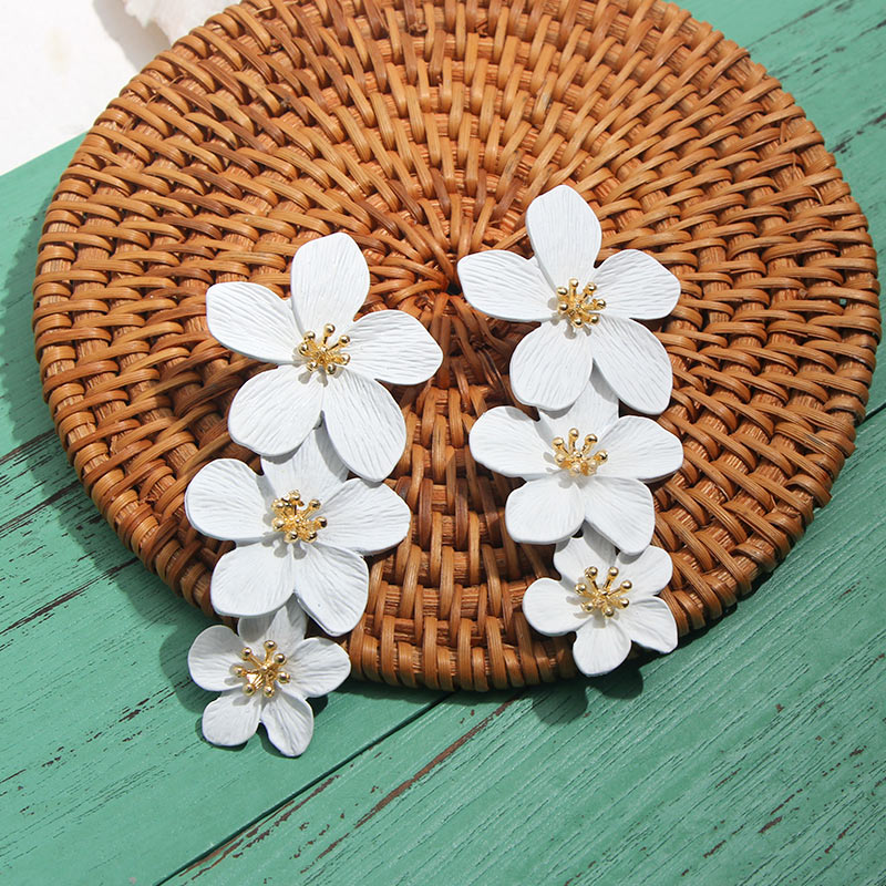 JJFOUCS 2019 Design Fashion Jewelry Elegant Big Double Flower Drop Earrings Summer Style Beach Party Statement Earring for Woman