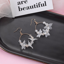 Hello Miss New cool wind white flowers crystal circle earrings acrylic pendant fashion womens jewelry