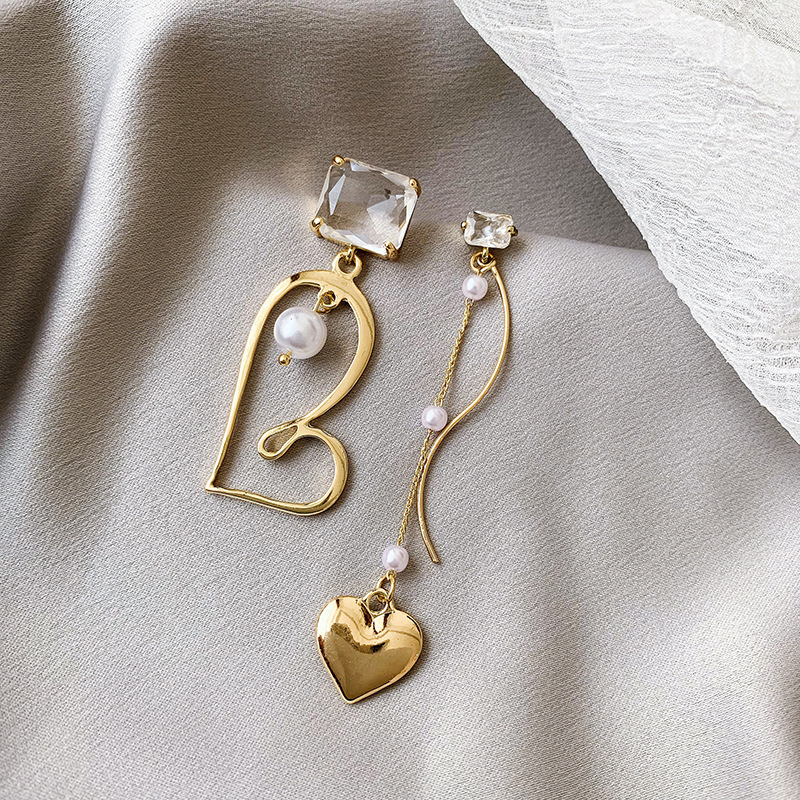 2019 New Arrival Crystal Trendy Geometric Women Dangle Earrings Asymmetric Love Pearl Earrings Drop Earrings Jewelry Earrings