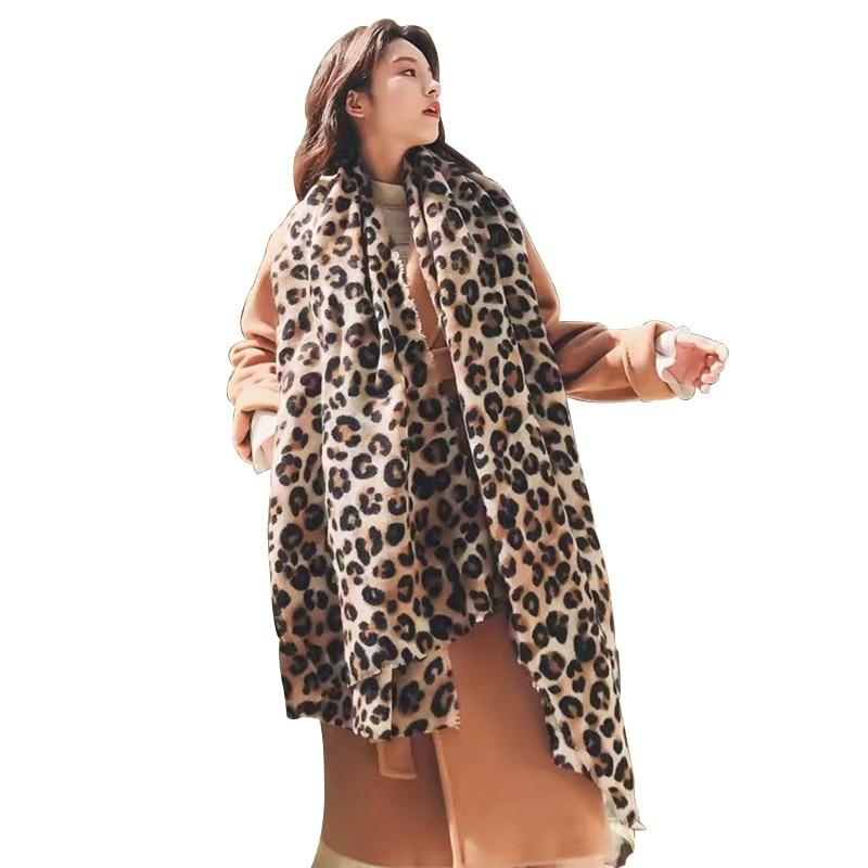 Fashionable Leopard Print Pashmina Cashmere Shawl Hot Sale Scarf For Women Classic Printed Poncho Wrap Winter Soft Warm Scarf