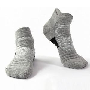 Image 3 - 1 Pair Men Thermal Sports Socks for Outdoor Cycling Basketball Running Winter Hiking Basket Tennis Non slip Sports Cotton Socks