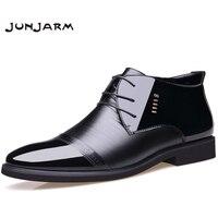 JUNJARM nowe markowe męskie buty z mikrofibry męskie zimowe buty wełniane wewnątrz ciepłe buty na śnieg czarne męskie skórzane botki w Buty śnieżne od Buty na