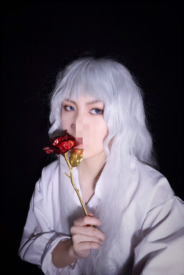 Berserk Griffith Silver White Wavy Long Cosplay Heat Resistant Synthetic Hair Halloween Party Carnival + Free Wig Cap