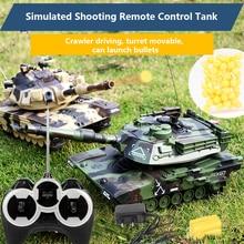 M1A2 беспроводной пульт дистанционного управления танк может запускать пули для битвы заряженный отслеживаемый внедорожный автомобиль мальчиков и детские игрушки Gif