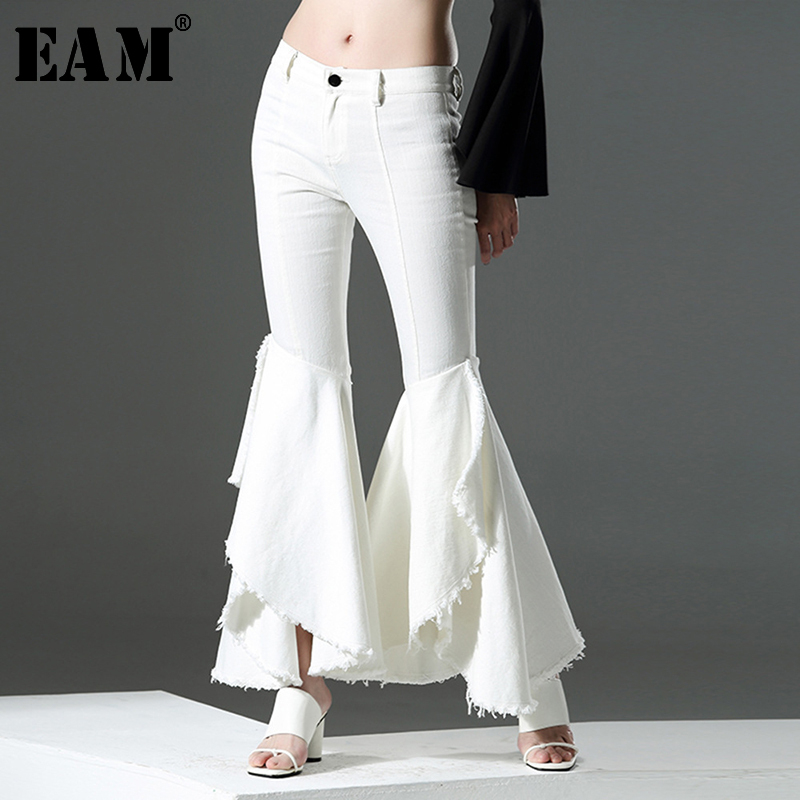 [EAM] High Waist White Denim Customized Ruffles Flare Trousers New Loose Fit Pants Women Fashion Tide Spring Autumn 2020 AZ211