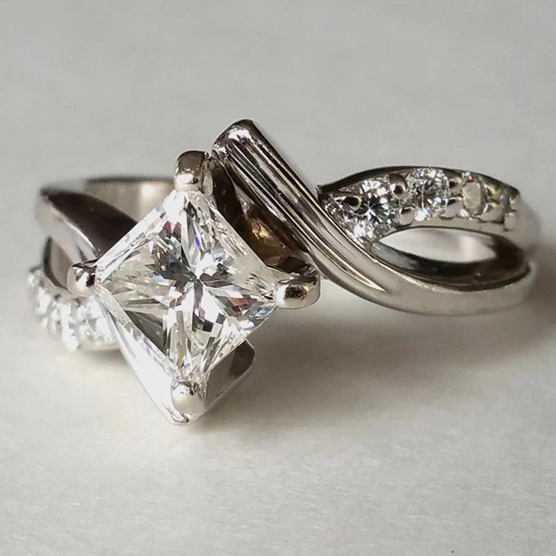 Princess_Diamond_Engagement_Ring_2_1800x1800.webp
