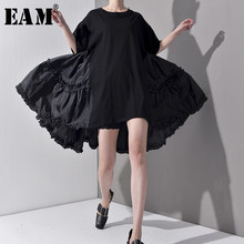 [EAM] 2021 nouveau printemps été col rond demi manches plissé Joint fendu ample surdimensionné grande taille robe femmes mode marée JS7910