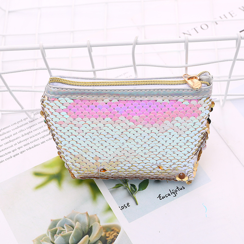 63903 Si Puwell Jia Svjj-5865 Fish Beauty Sequin Triangle Purse
