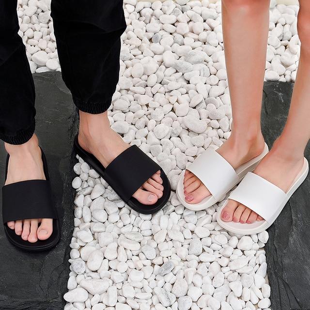 الصيف شبشب رجالي حذاء أبيض وأسود عادي عدم الانزلاق الشرائح الصنادل الحمام لينة وحيد الوجه يتخبط حجم كبير 47 رجل هدية 5