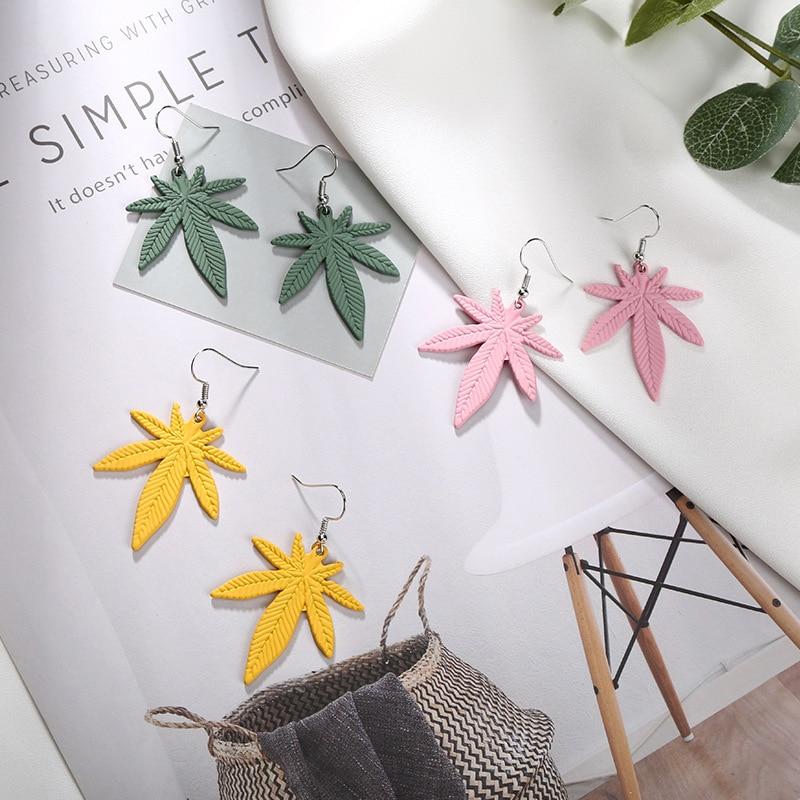 Висячие серьги в стиле ретро с зелеными листьями конопли для женщин, простые геометрические висячие серьги с полыми листьями, модные украше...