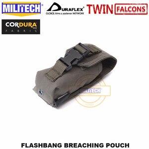Image 4 - MILITECH Tactical Flashbang łamanie etui TWINFALCONS TW złuszczona 500D Cordura wykonana torba na akcesoria Flash dym bomba etui
