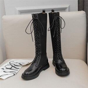 Image 3 - Nova marca de moda feminina na altura do joelho botas de couro de vaca deslizamento em saltos quadrados famosas senhoras de inverno sapatos tamanho 34 40 botas de motocicleta