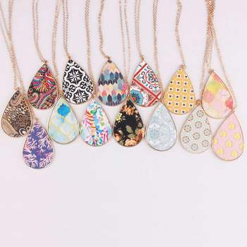 Baroque Moroccan Waterdrop Pendant Necklace for Women Paisley Pattern Alloy Pendant Necklace Long Sweater Necklace 1