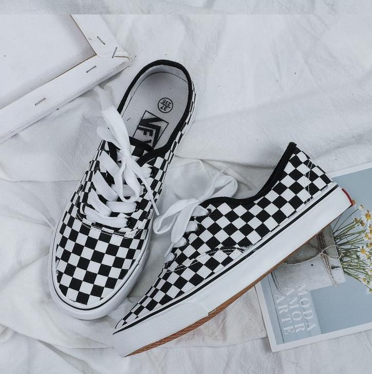 Fashion Ladies Sneakers Denim Casual Shoes Ladies Summer Canvas Shoes Sneakers Lace Women Black And White Plaid Tynis Feminino