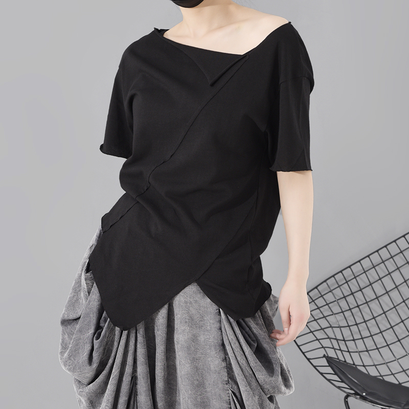 [EAM] Women Black Asymmetrical Cut Split Joint T-shirt New Round Neck Short Sleeve  Fashion Tide  Spring Summer 2021 A662