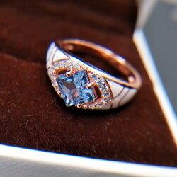 Кольцо из серебра 925 пробы с голубым топазом, 6 мм