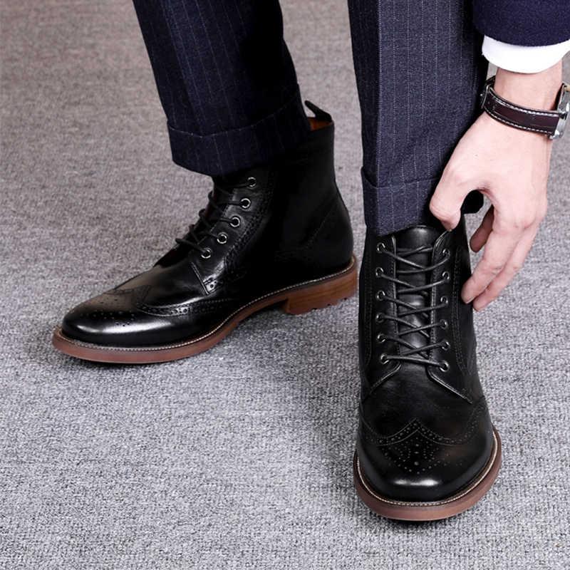 DESAI 2020 sonbahar yeni erkek botları büyük boy 38-47 Vintage Brogue kolej tarzı erkek ayakkabısı rahat moda dantel up sıcak botları adam