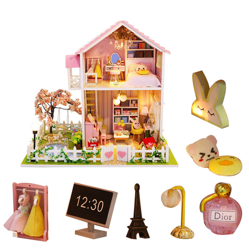 Pink Doll House Garden Wooden Villa Miniature Dollhouse Kit Accessories Furniture Wood House Toy For Children Poppenhuis Lamp