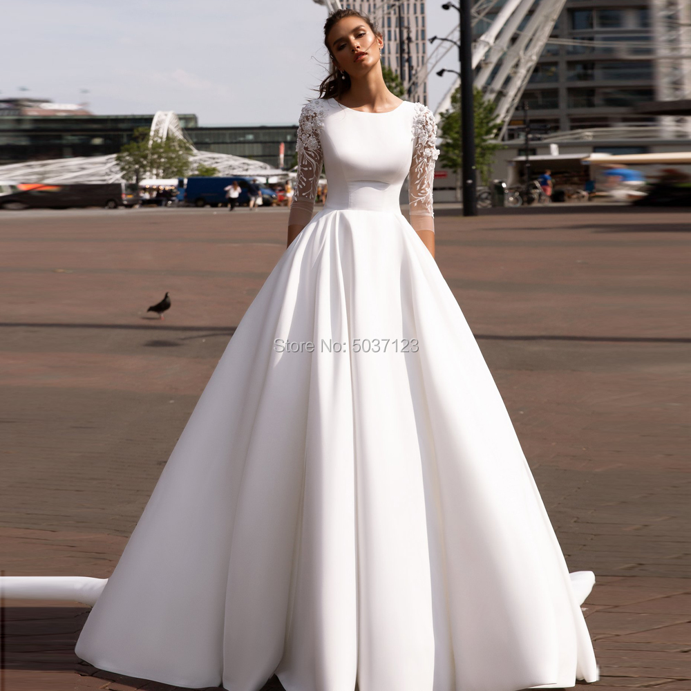 Satin A Line Wedding Dresses O Neck Three Quarter Lace Appliques Lace Up Bridal Gowns Vestido De Noiva Court Train