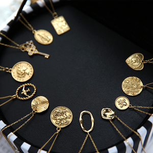 925 Sterling Silver Golden Coin Elliptic Pendant Necklace English Letter Engraving Vintage Personality 18K Gold Chain Necklace