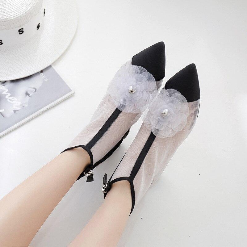 Été 2019 femmes froid bottes courtes creux Joker version coréenne épais pointu maille bottes femmes chaussures à talons hauts Yasialiya
