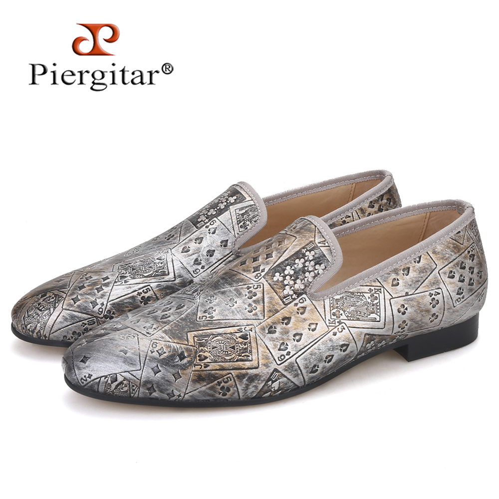 Piergitar 2020 New Style Poker Prints Men PU Shoes Fashion Men Smoking Slipper For Banquet And Party Plus Size Men's Loafers