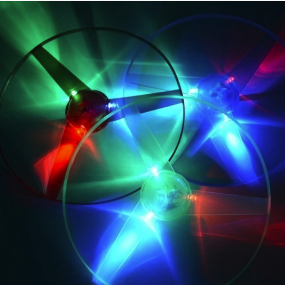 Beautiful Luminous Flying Plastic Stay Wire DIY For Kids Color Random UFO LED Light Funny Handle Flash Outdoor Gift Fans