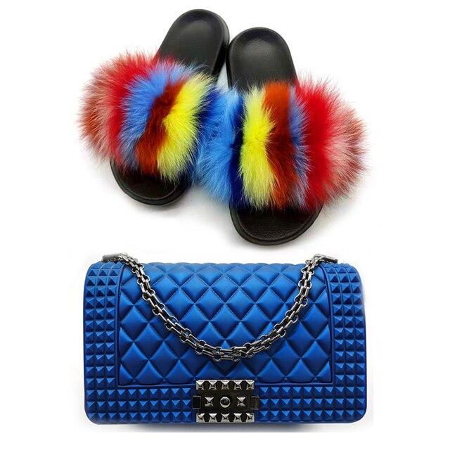 Фото женские меховые тапочки комплекты красочных сумок летняя модная