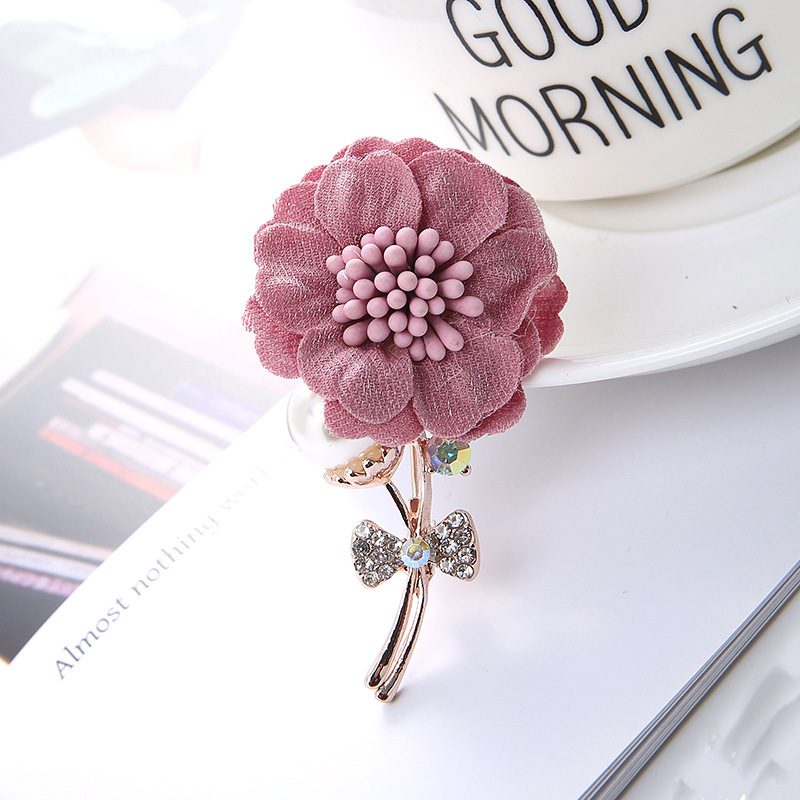 Korean Fashion Alloy Fabric Flower Brooch Women Inlaid Rhinestone Sweater Dress Lapel Pin Clothing Accessories Exquisite Jewelry
