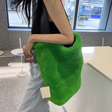 Brands Plush Big Tote Women Shoulder Bag Designer Large Capacity Faux Fur Crossbody Bag Winter Bucket Bags for Women 2021 INS