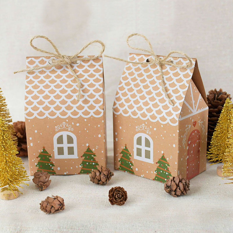 VINTAGE CHRISTMAS GINGERBREAD HOUSE APPLIQUE CRAFT FREE SHIPPING