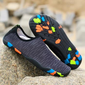 Lekkie damskie skarpetki wodne buty męskie dzieci pływać sporty wodne trampki Slip-on Plus rozmiar nadmorska plaża obuwie siłownia buty do jogi tanie i dobre opinie VEAMORS Pasuje prawda na wymiar weź swój normalny rozmiar Spring2018 Początkujący Oddychające Elastycznej tkaniny