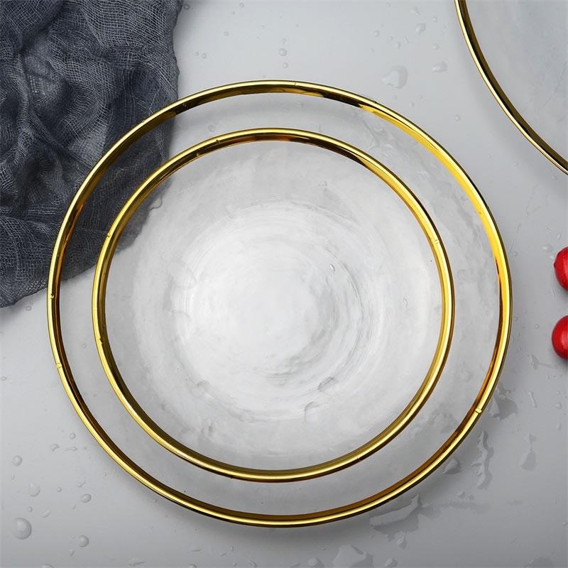 צלחות בגשה ואוכל עם שיבוץ זהב בקצוות 4