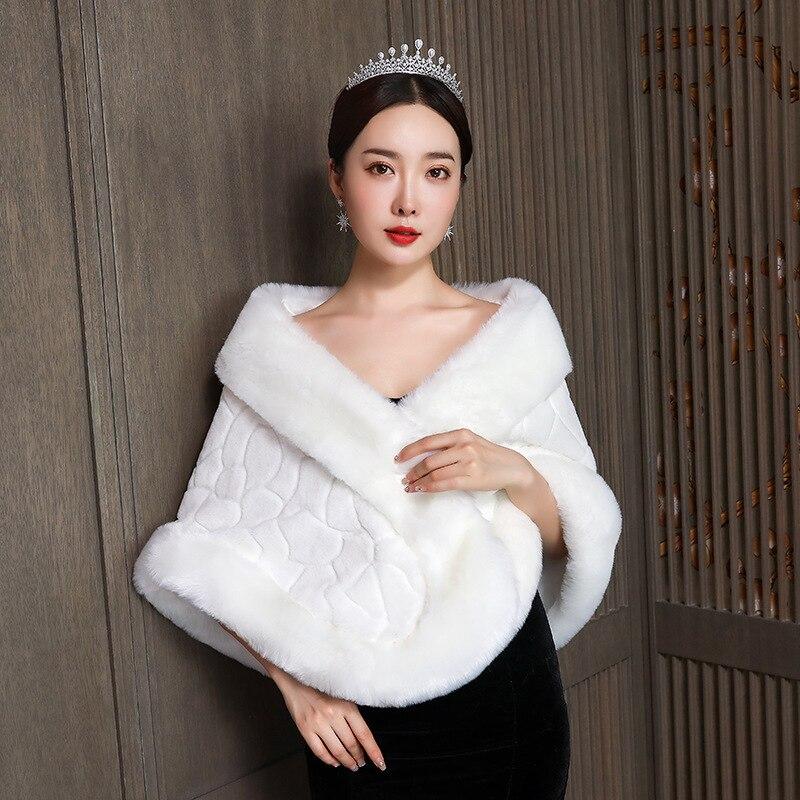 2020 New Arrival Wedding Shawl Cape 2020 Winter Bridal Wedding Dress Round Corner Rabbit Like Plush Coat Warm Large Print Lady