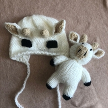 T5EC 2Pcs/Set Newborn Baby Photography Props Crochet Knitted Cute Cow Ox Beanie Hat and Animal Doll Toy Infant Bonnet