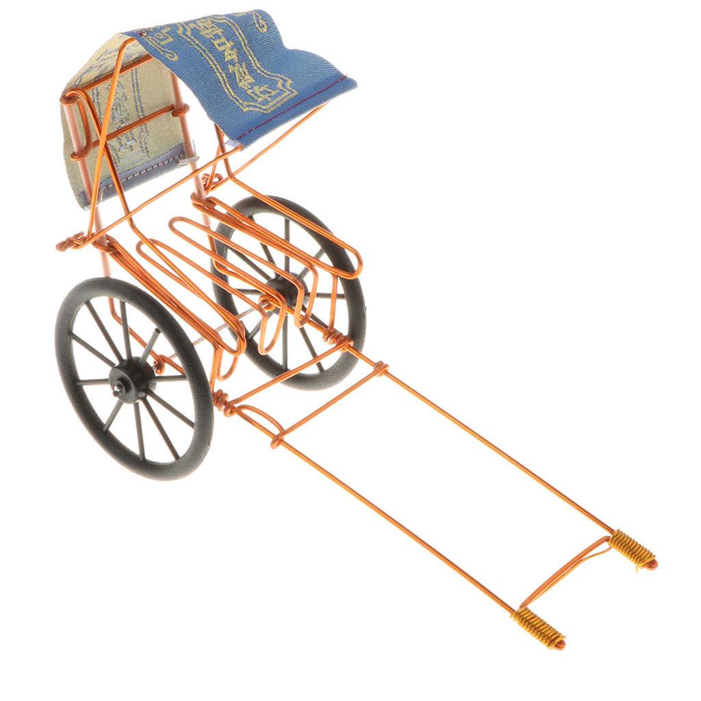 ريترو المعادن الفن كرافت العربة نموذج تمثال عرض نموذج عرض المركبات النادرة