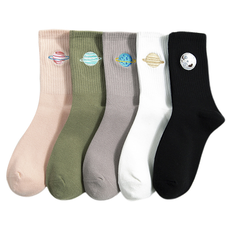 2020 New Fashion Embroidery Women Socks Cotton Autumn Winter Girls Cute Warm Soft Short Socks Gifts