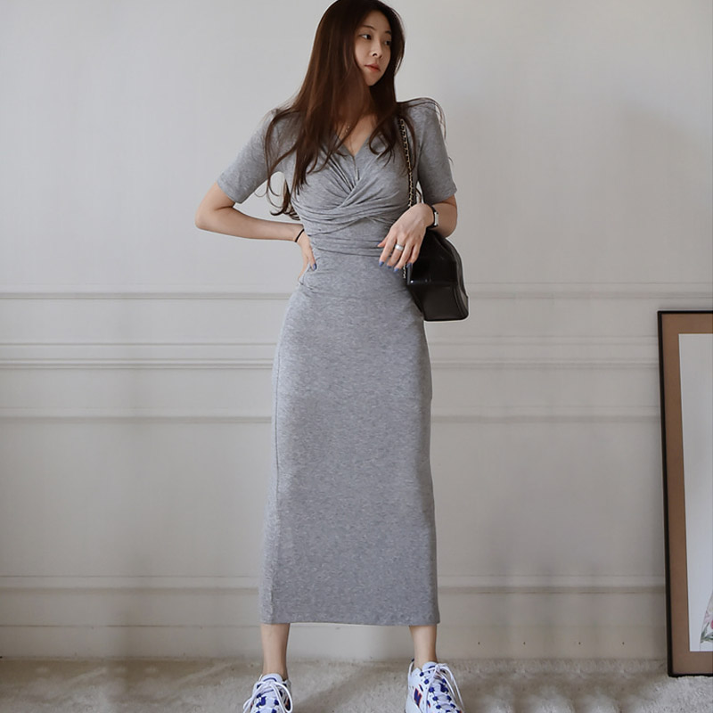 2020 summer new Korean casual temperament slim V-neck pleated bag hip knitted dress female Office Lady