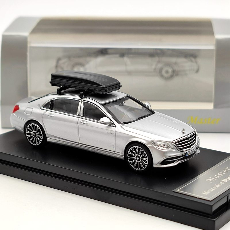 ماستر لمايباخ S-Class S560 الفضة دييكاست نموذج مع صندوق سقف السيارة السوداء الهدايا 164