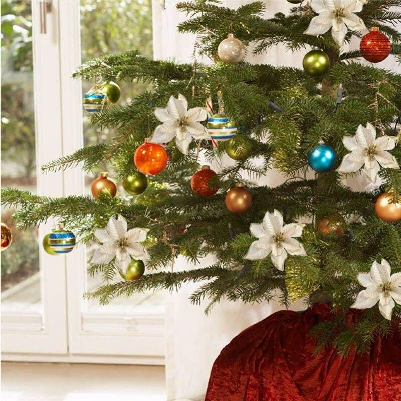 последнее украшение елки цветами фото они