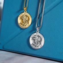Femme, pièce de monnaie, collier simple or, mode, fête religieux collier rond ange Saint Michael médaille collier